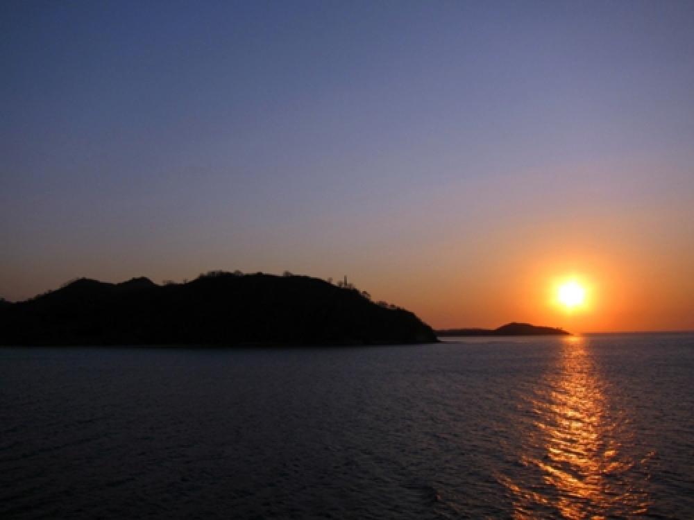 365Indonesia Hari 36 - Matahari Terbenam di Nusa Tenggara Barat, Indonesia