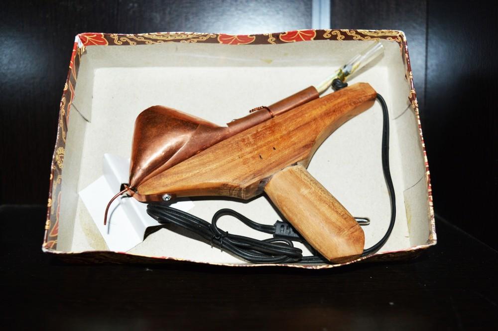 Ringkas! Canting Elektrik Geser Canting Konvensional tuk Goreskan Pola Batik Pada Kain