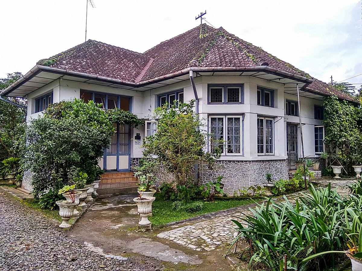 Arsitektur Indische Empire Style, Alasan Rumah Belanda Terasa Sejuk di Udara Tropis