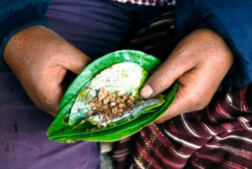 Merawat Gigi Secara Tradisional Ala Orang Indonesia