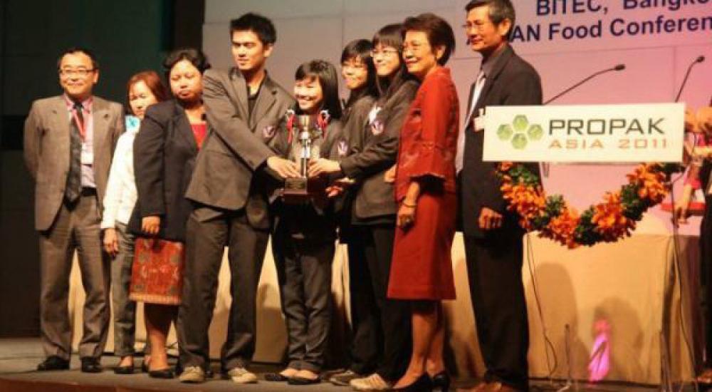 RI's Delegates Won 3rd ASEAN Undergraduated Quiz Bowl Competition