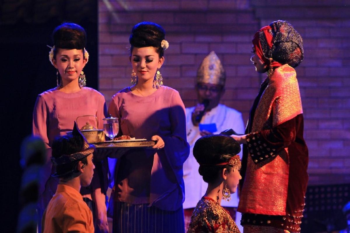 Menengok Tradisi Unik Seputar Pernikahan dari Suku Ogan