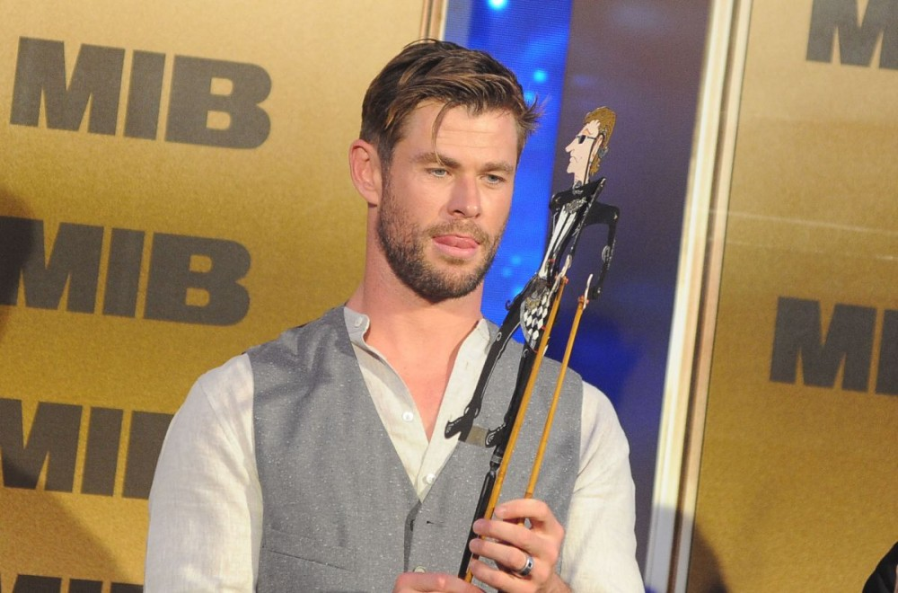 Chris Hemsworth dan Kecintaannya Pada Indonesia