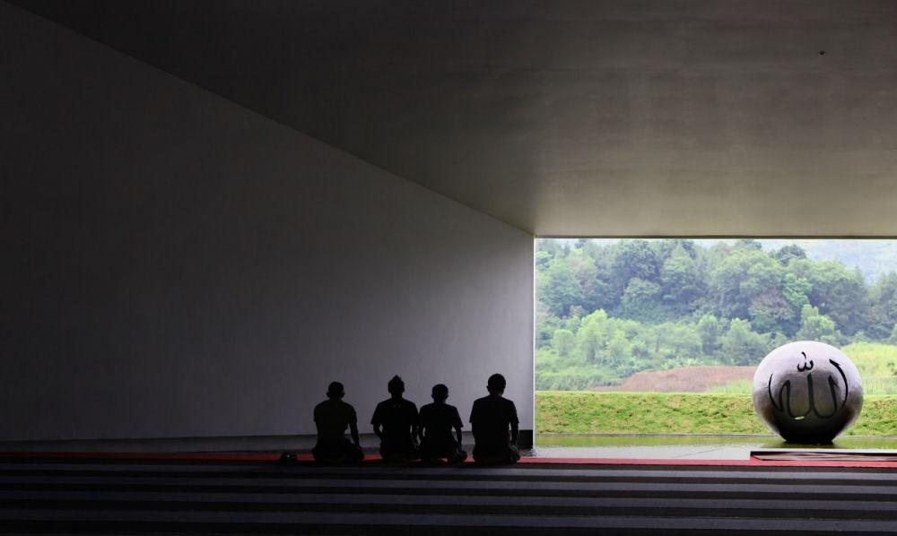 Penyesalan Berbuah Masjid Ber-arsitektur Terbaik Asia 2011