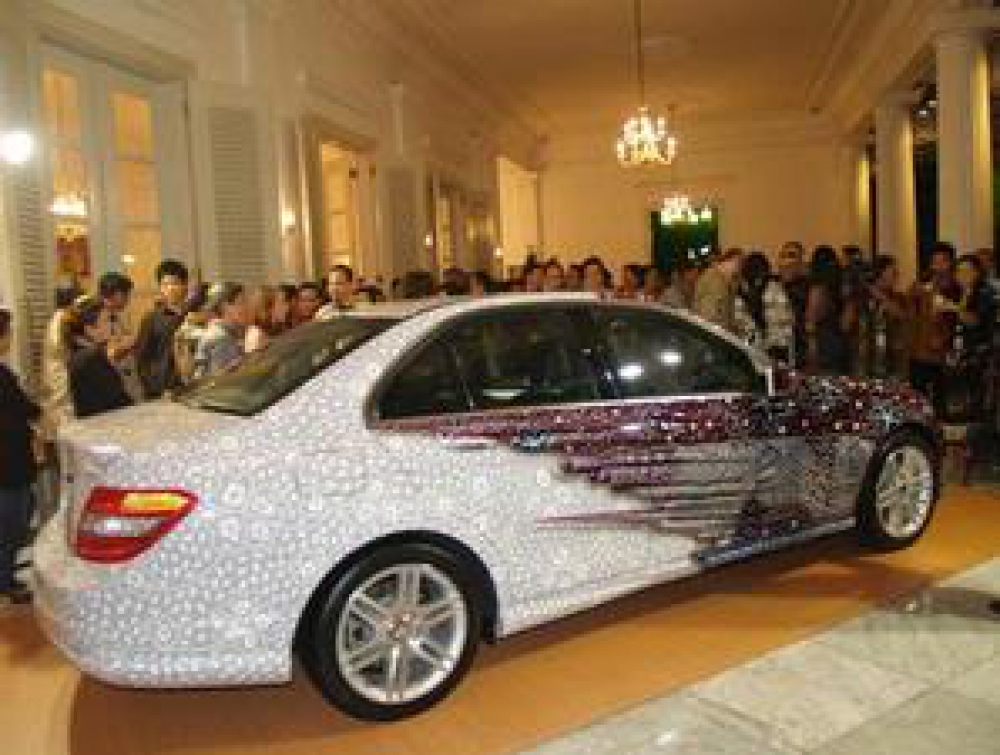 An Indonesianized Mercedes Benz