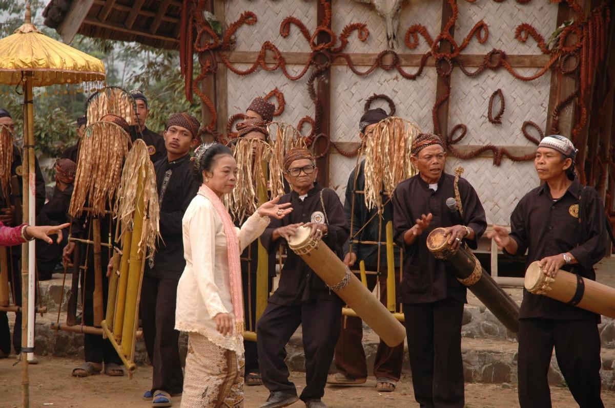 Alunan Angklung Buhun, Pengiring Setia Ritual Penanaman Padi Suku Baduy
