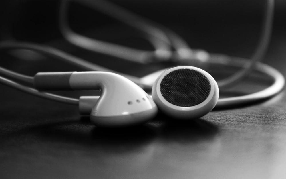MelOn Musik Kini Seratus Persen Merah Putih