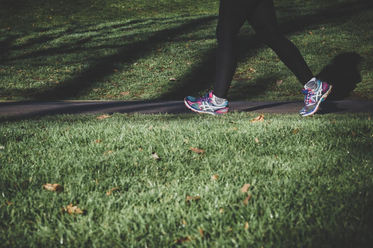 Jalan Kaki, Olahraga yang Penuh Manfaat Tak Terduga