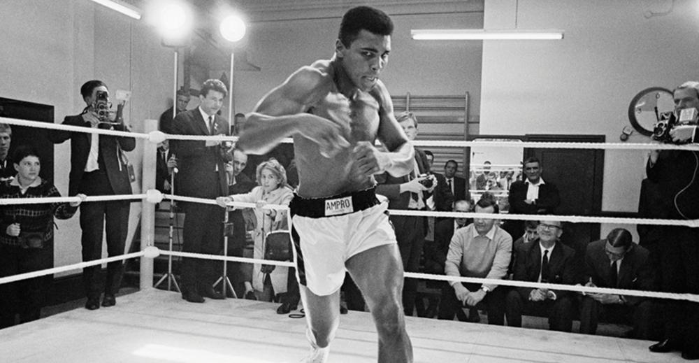 (Video) Saat Muhammad Ali Diarak Becak di Jakarta (1973)
