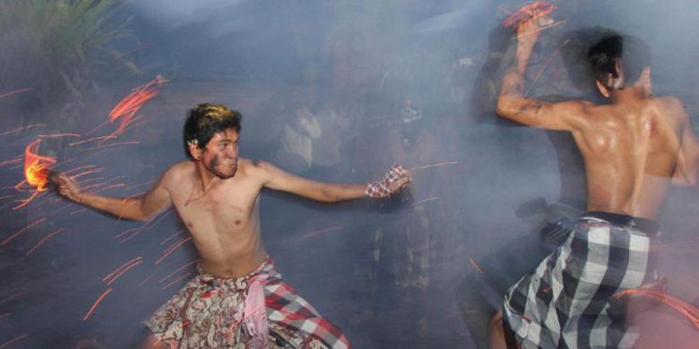 Bara Perang Api di Pulau Dewata