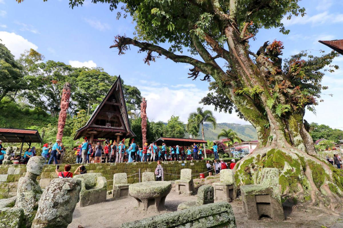 Kisah Batu Persidangan di Huta Siallagan Samosir