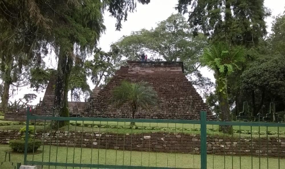 Candi Sukuh, Sebuah Warisan Nenek Moyang di Lereng Gunung Lawu