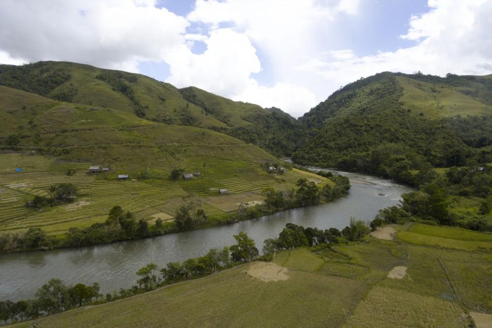 Petualangan Uji Nyali di Jantung Sulawesi