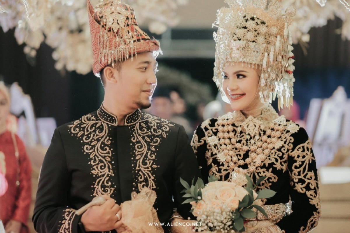 Pakaian Adat Aceh Asli