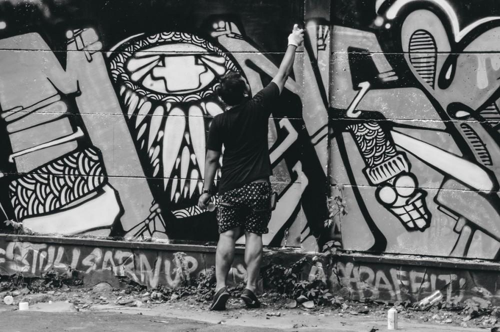 Pertama Kalinya! Jam Tangan G-Shock Asal Jepang Dihiasi Karya Mural dari Indonesia