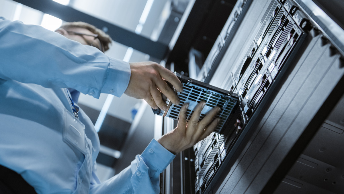 Telkom dan Kemkominfo Berlomba Bangun Data Center Mumpuni di Indonesia