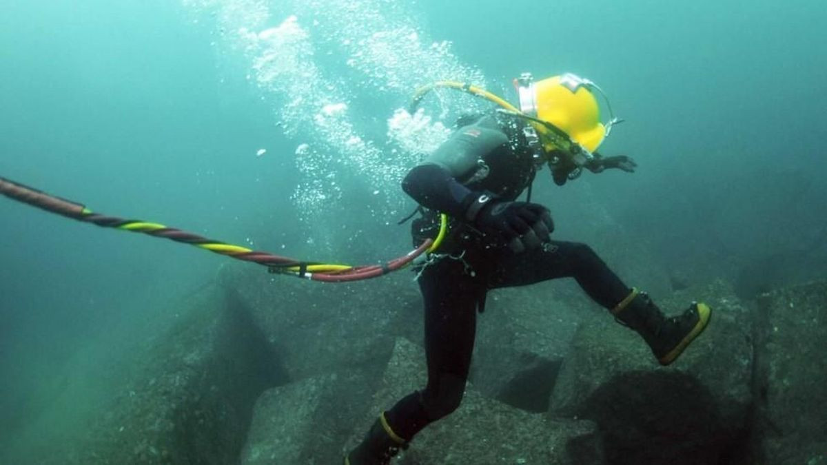 Mengenal Profesi Penyelam yang Jaga Kelangsungan Infrastruktur Bawah Laut