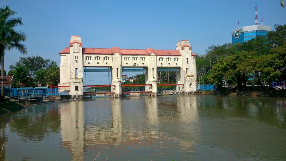 Warga Surabaya Akan Dapat Minum Langsung dari Air Keran Lho!