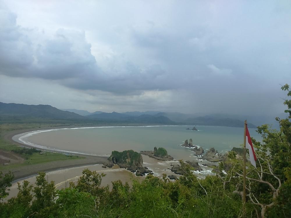 """""""Teluk Love"""", Wisata Romantis di Jawa Timur"""