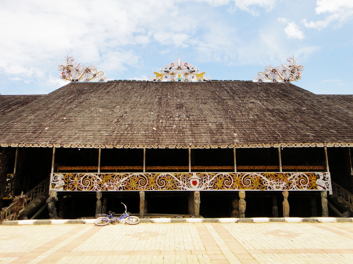 Bertemu dengan Suku Dayak Kenyah di Desa Budaya Pampang
