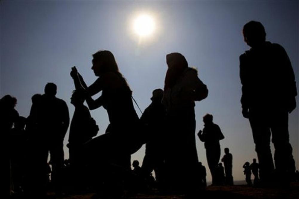 Jangan Lupa, Gerhana Matahari juga Bisa Dilihat di Jakarta. Ini Durasinya