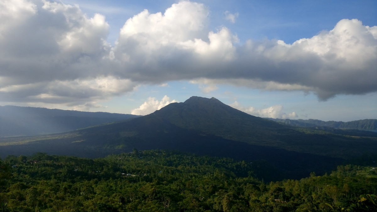 Legenda Brawijaya V, Misteri dan Keindahan Gunung Lawu