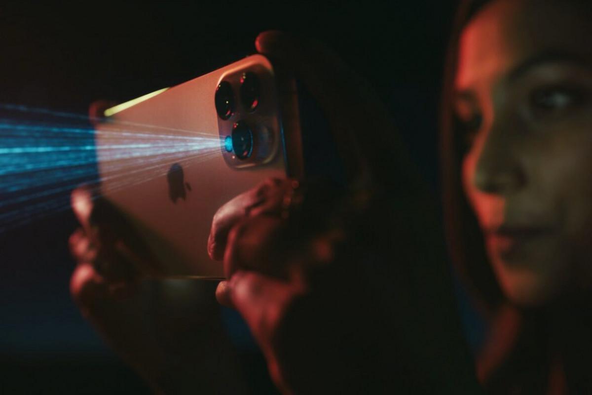 Gara-Gara iPhone 12 Pro, Motret Tukang Cilok Bakal Secanggih Memotret Planet Mars