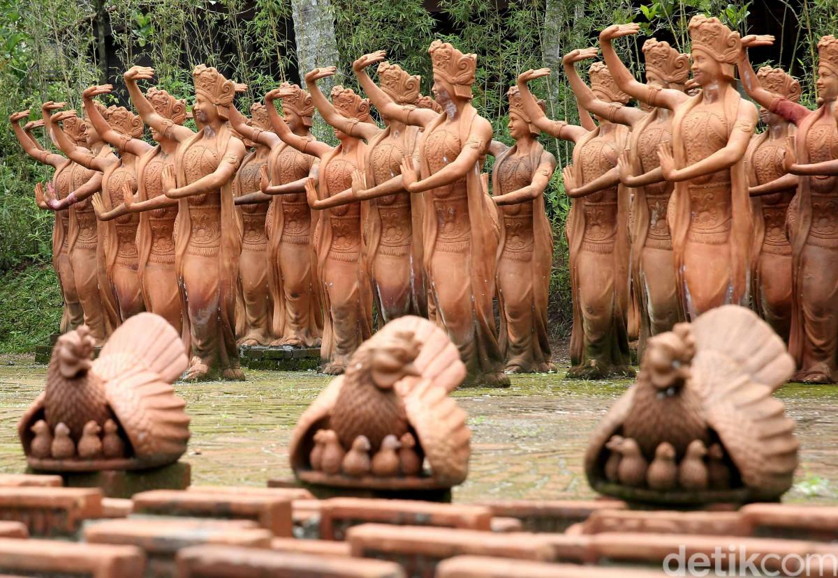 Ada Apa di Taman Penari di Banyuwangi?