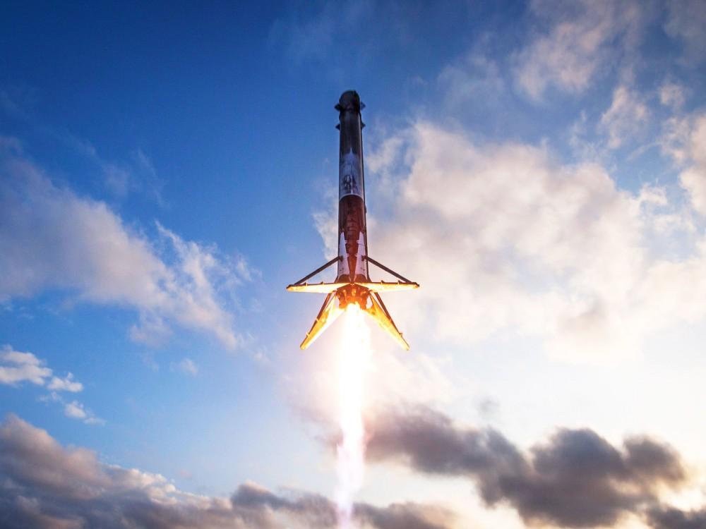 SpaceX Sukses Luncurkan Satelit Indonesia