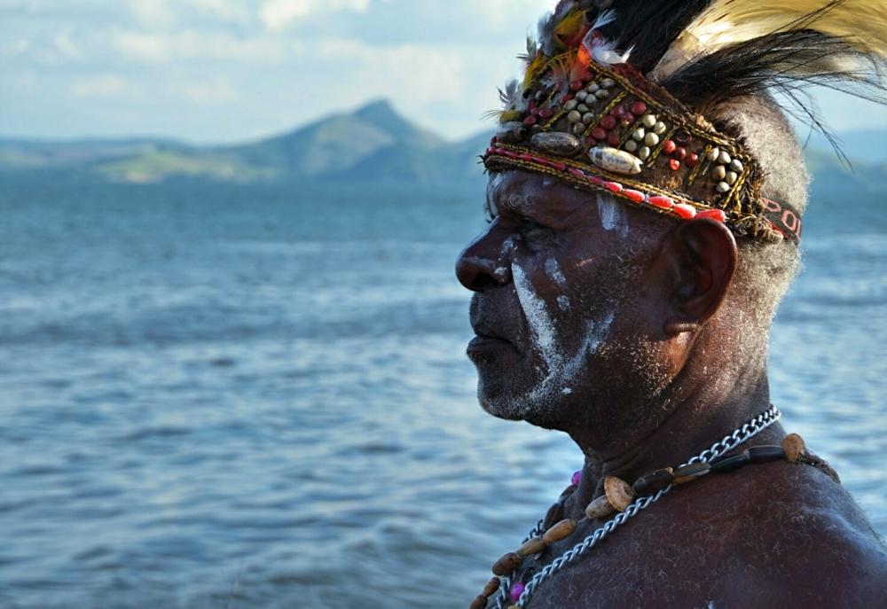 Suku Pesisir Papua Ini Menarik Perhatian Dunia