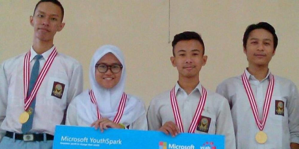 """Game """"Sewidak"""" Buatan Siswa SMAN 10 Yogya Ini Jadi Juara di Microsoft Youth Spark 2016"""