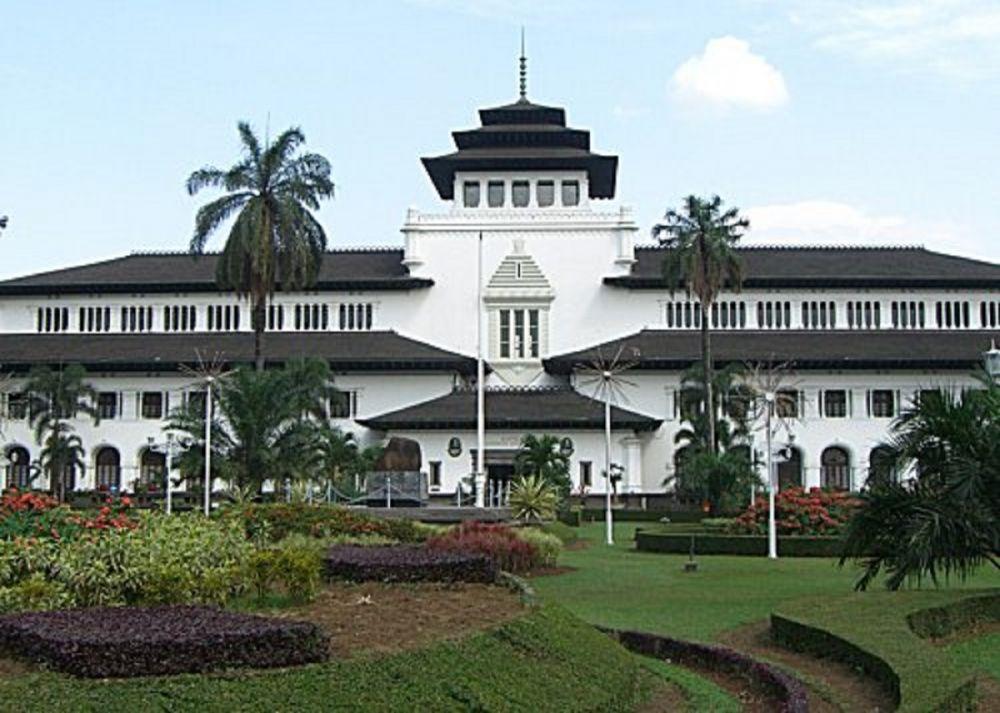5 Rekomendasi Tempat Nongkrong di Bandung