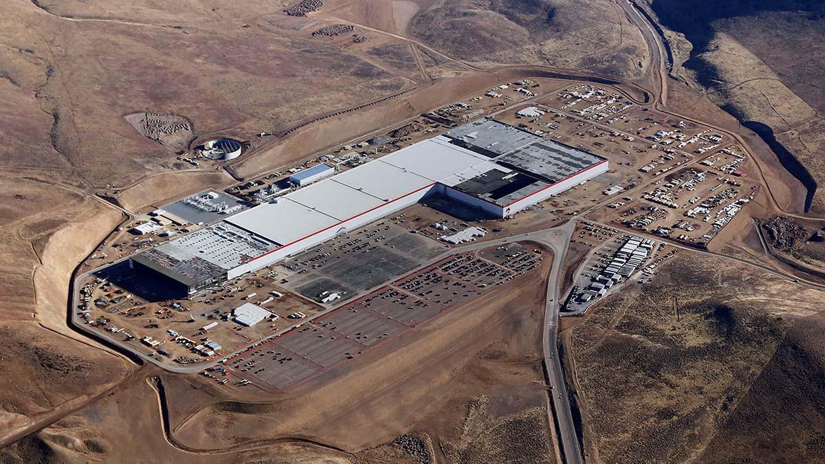 Tesla Siap Bangun Pabrik Baterai Mobil Listrik di Indonesia