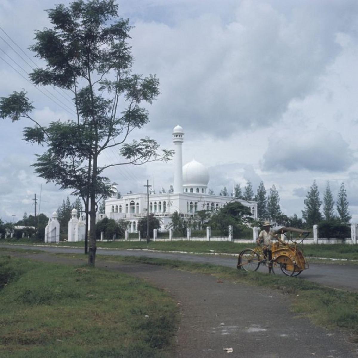 Sejarah Hari Ini (19 November 1953) - Masjid Al-Azhar, Terbesar Pertama Sebelum Istiqlal