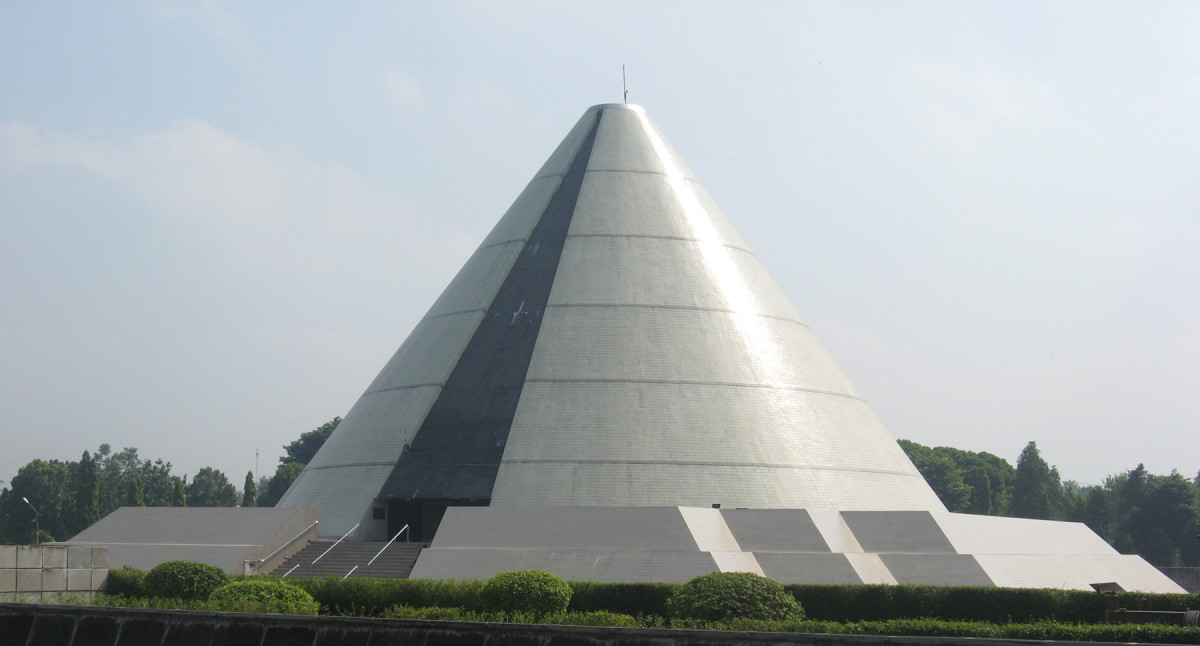 Sejarah Hari Ini (29 Juni 1985) - Pembangunan Monumen Yogya Kembali