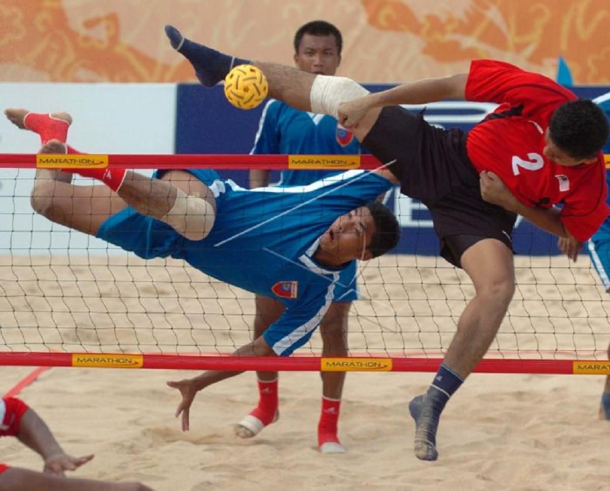 Sejarah Hari Ini (24 Juni 2007) - Lapangan Sepak Takraw Pantai Terbanyak di Bengkalis