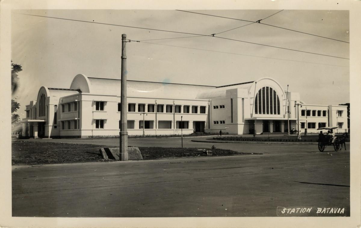 Sejarah Hari Ini (8 Oktober 1929) - Peresmian Stasiun Jakarta Kota