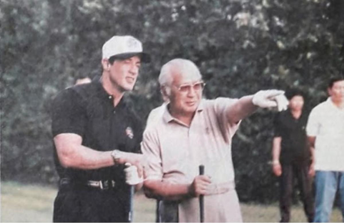 Sejarah Hari Ini (21 Oktober 1994) - Suharto Kalahkan Rambo di Lapangan Golf