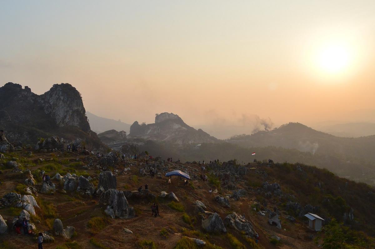 Jalur KA Cianjur - Cipatat Dihidupkan Lagi, Taman Batu Citatah dan Wana Pokland Makin Mudah Disambangi