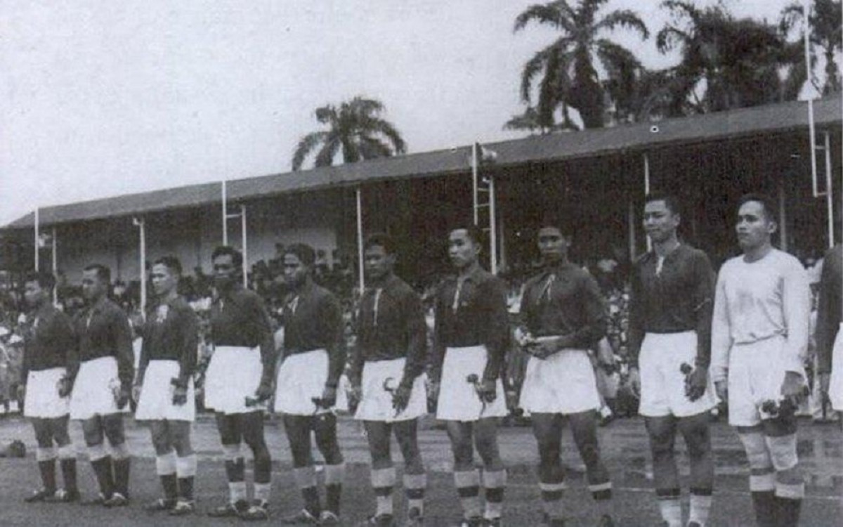 Sejarah Hari Ini (12 Mei 1957) - Kualifikasi Piala Dunia 1958, Indonesia Kalahkan Cina 2-0