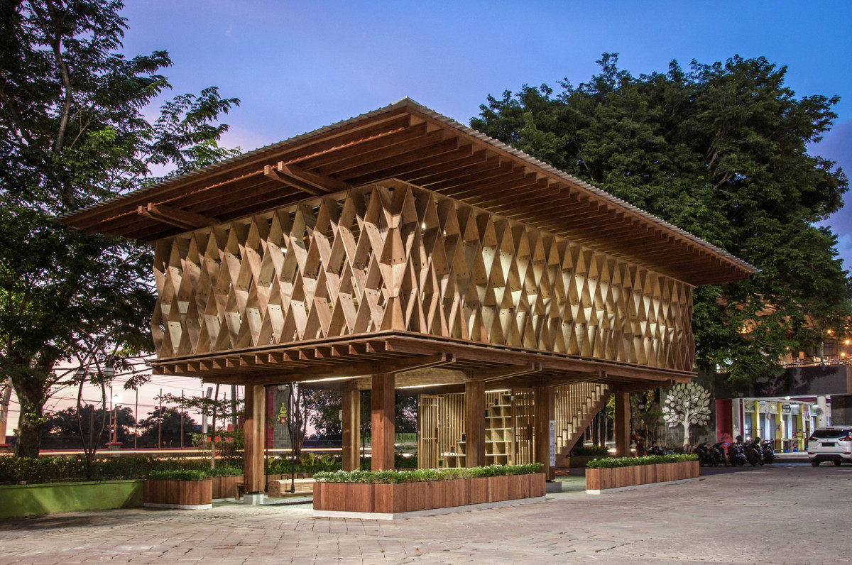 Perpustakaan Warak Kayu Semarang Raih Penghargaan Building of The Year 2021