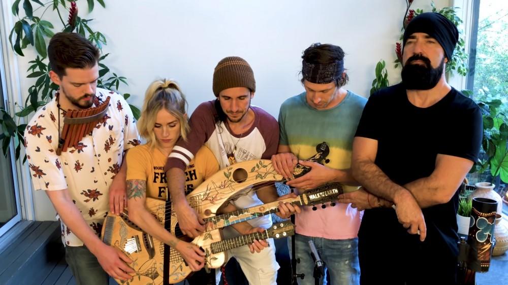 5 Alat Musik Dalam Satu Wadah Ini Buatan Pemuda Asal Bali