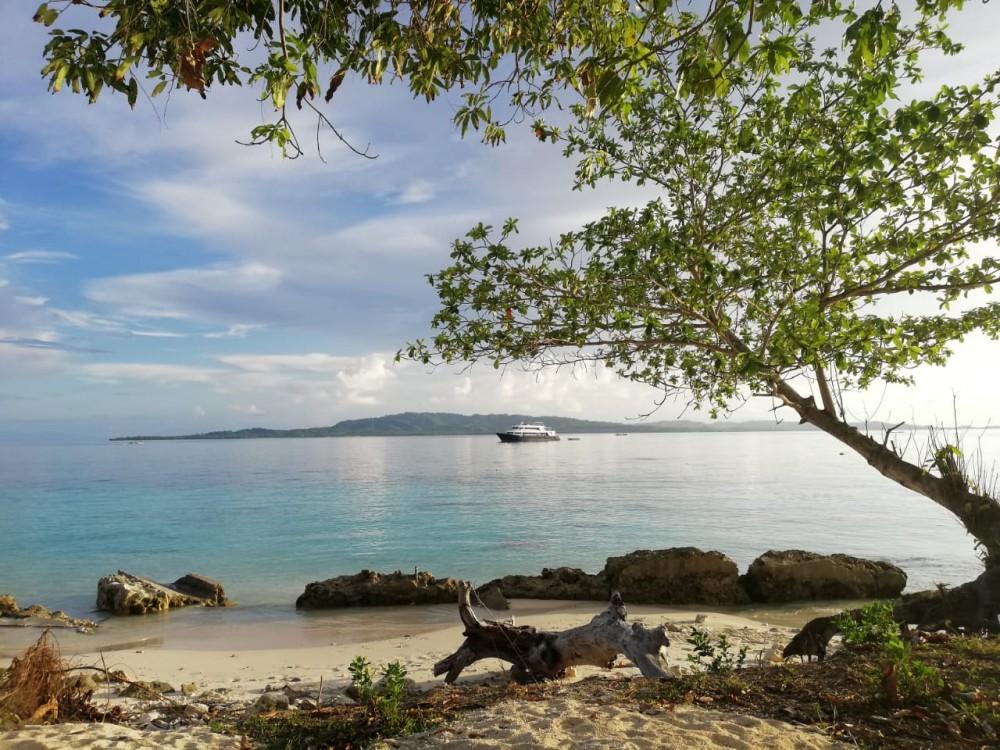 Sensasi Mengelilingi Surga di Halmahera Selatan