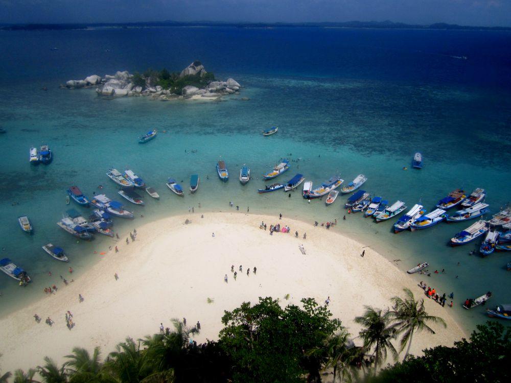 Eksotisme Pulau Lengkuas Belitung
