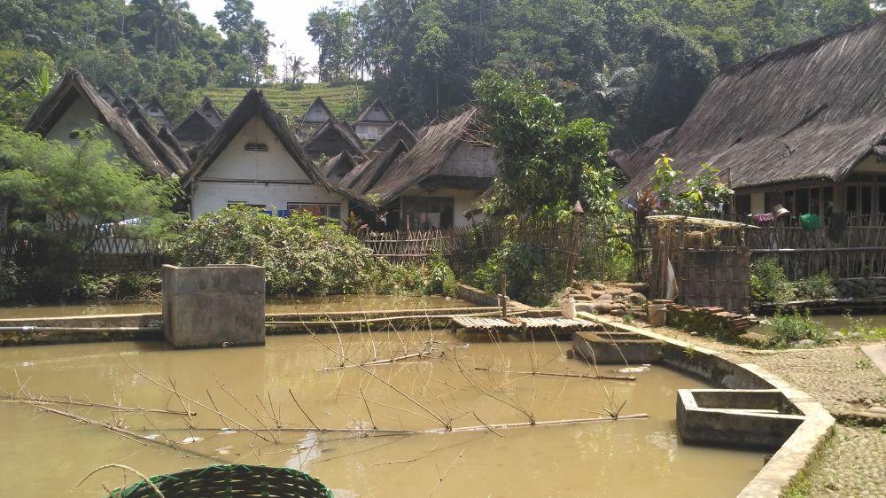 Penjaga Alam dari Kampung Naga