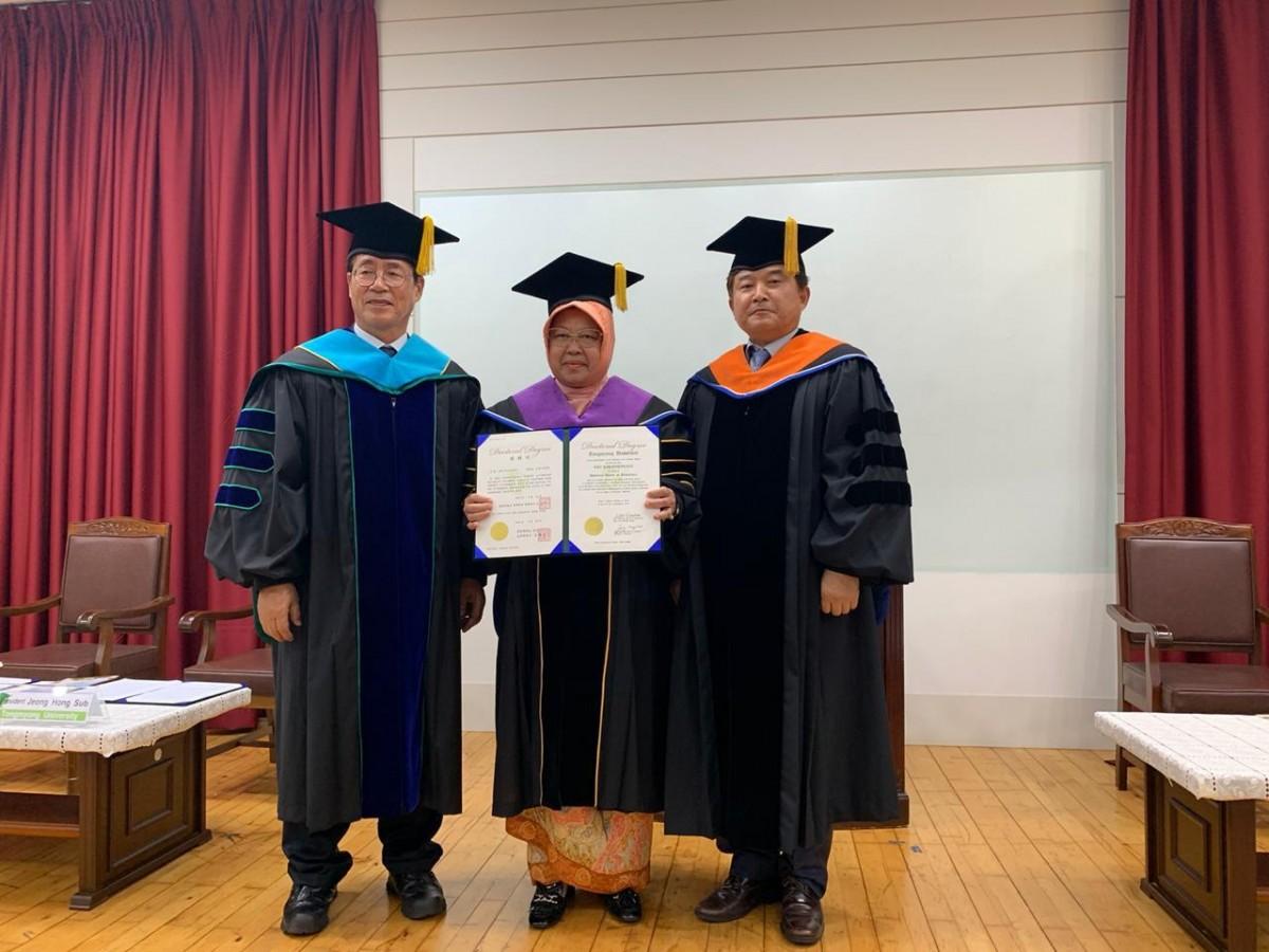 Walikota Surabaya dianugerahi Gelar Kehormatan dari Universitas Tongmyong Korea Selatan