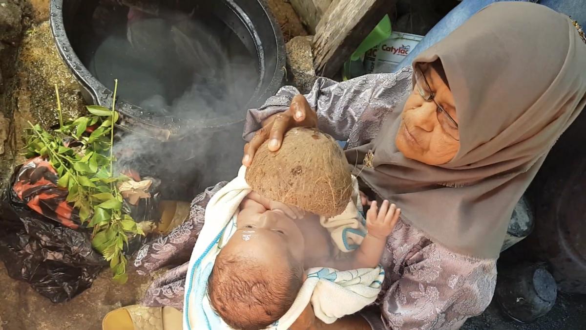 Dari Minangkabau hingga Lombok, Ini 3 Tradisi Kelahiran Bayi yang Ada di Indonesia
