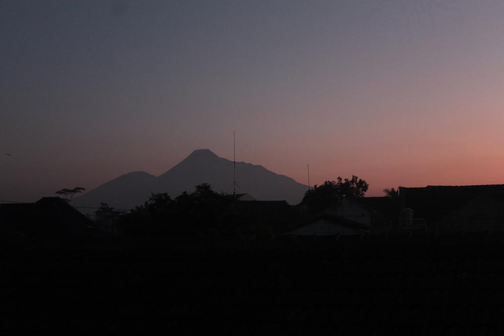 Mengapa Sulit untuk Tidak Jatuh Cinta Pada Tanah Jawa?