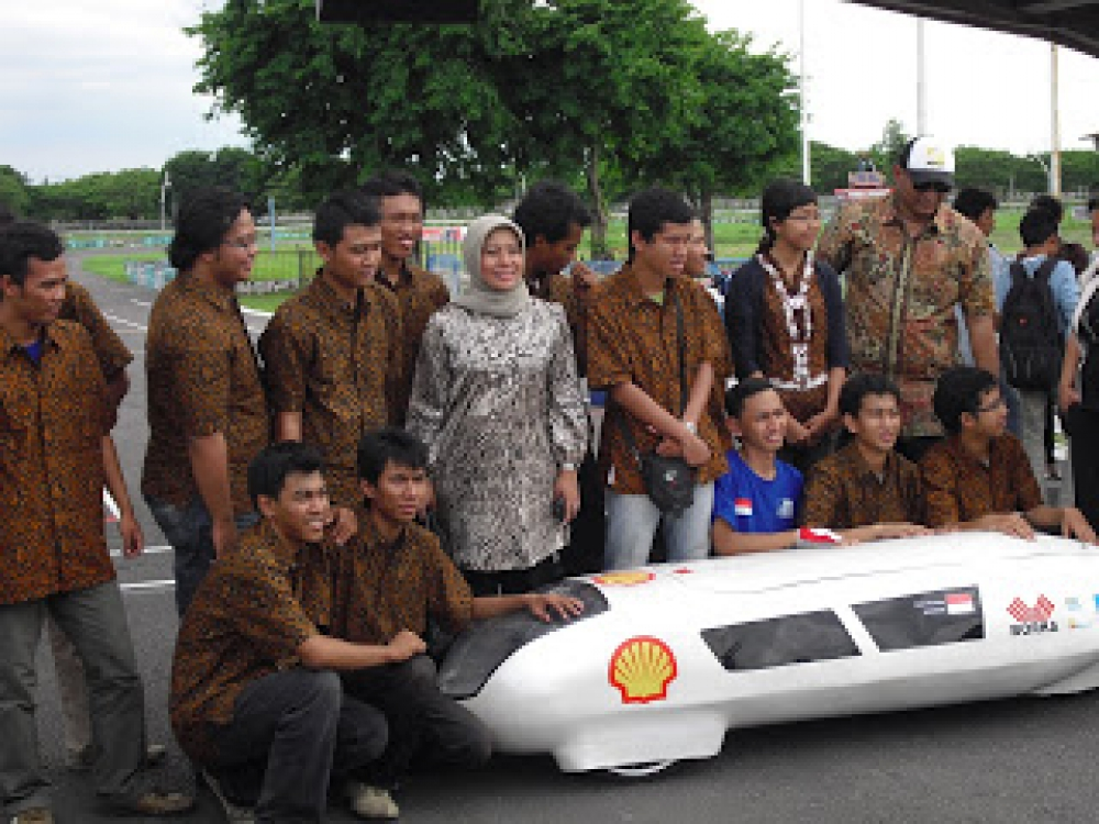 Indonesia's Very Own Hybrid Car(s)
