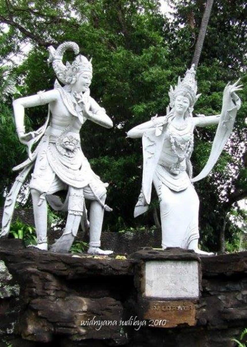 "Cerita Romantisme ""Kama Jaya – Kama Ratih"" di kota kabupaten Klungkung"